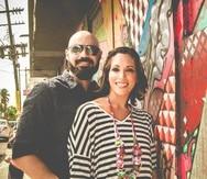 Los empresarios Víctor Febus y Merari Cruz crearon el nuevo concepto Arte Pop Up. (Suministrada)