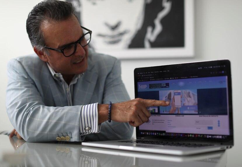 Salvador Rovira, presidente de RR Group, conglomerado que creó HIIP, herramienta que facilita la renovación de credenciales a los médicos y le provee diversidad de servicios.