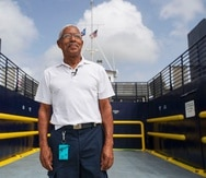 Rosa, padre de tres hijos,  dijo que, si él estuviese al mando de la ATM, echaría a andar el transporte marítimo destinando fondos que hoy día se asignan para el alquiler de naves privadas.