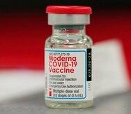 Una dosis de la vacuna contra el COVID-19 de Moderna.