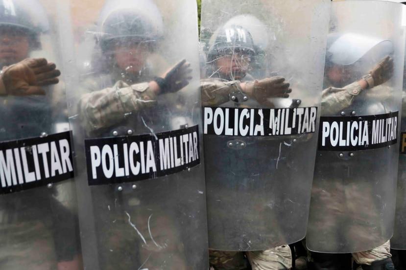 La Policía Militar se ha mantenido en las calles de Bolivia tras la renuncia de Evo Morales. (AP)