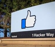 La entrada a la sede de Facebook, en California.
