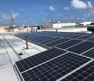 El proyecto contempla la ubicación de paneles fotovoltaicos en los techos de establecimientos y residencias.