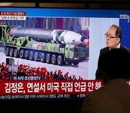 Entre el armamento mostrado estuvo lo que posiblemente es el mayor misil intercontinental de Corea del Norte hasta ahora.