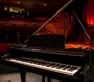 piano teatro UPR, Hace cuatro décadas que pertenece a la Universidad de Puerto Rico y fue inaugurado por el pianista Garrick Ohlsson